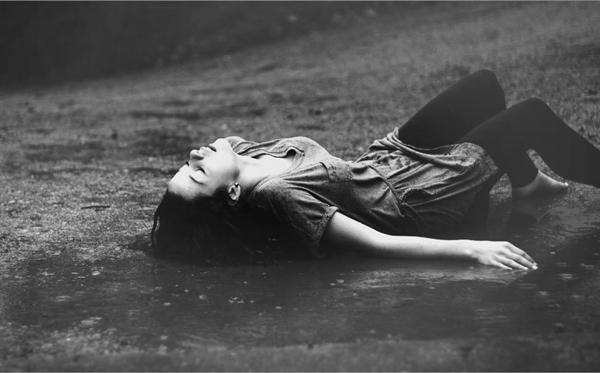 Fanfic / Fanfiction Noites frias e chuvosas - Capítulo 1 - A chuva!