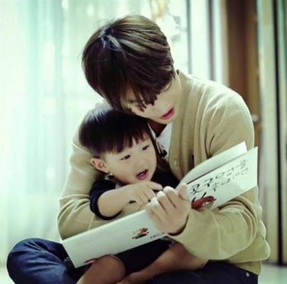 Fanfic / Fanfiction O babá (Au!Taeseok Vhope) - Capítulo 6 - J-Hope ator? Nunca nem vi, só Park Jinyoung