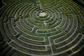 Fanfic / Fanfiction O labirinto - Capítulo 1 - O labirinto