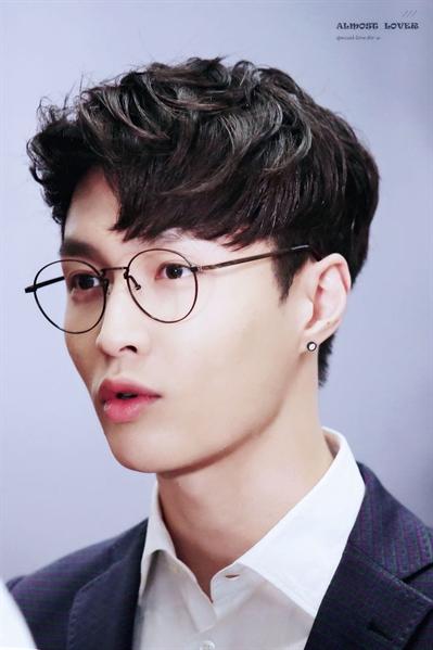 Fanfic / Fanfiction Ohh Meu Chefe - Imagine Lay EXO - Capítulo 13 - Lábios Carnudos Parte:1