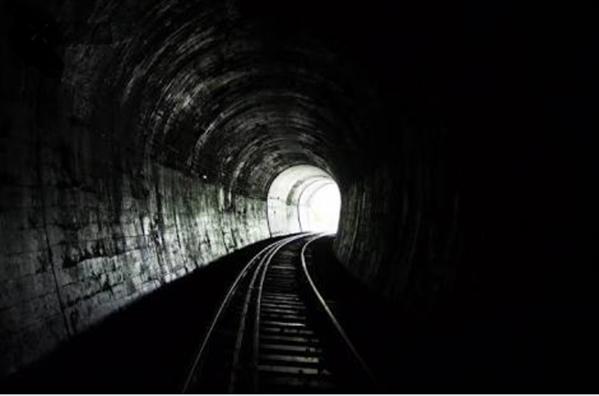 Fanfic / Fanfiction Pensamentos - Capítulo 2 - Luz no fim do túnel