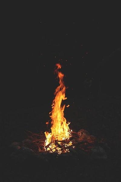 Fanfic / Fanfiction Poesias, Poemas e Pedaços - Capítulo 7 - Dançarinos Incendiários