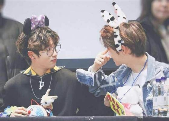 Fanfic / Fanfiction Stray Crianças - Capítulo 9 - Jisung e Felix juntos e JeonGin falador