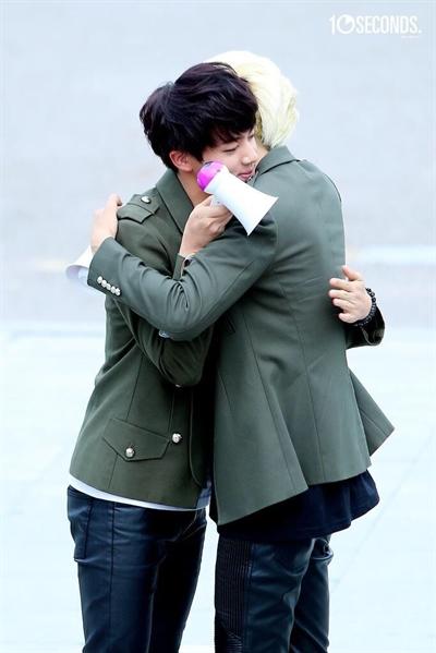 Fanfic / Fanfiction Vida de BTS - Capítulo 13 - Namjin Finalmente