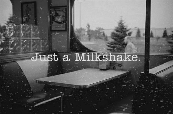 Fanfic / Fanfiction .2 6 0 4 1 5 (Interativa). - Capítulo 6 - 04 - Just a Milkshake.