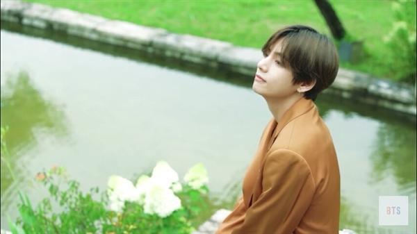 Fanfic / Fanfiction Namoro virtual kim taehyung - Capítulo 3 - V-você me ama?