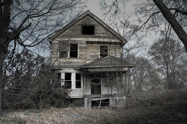 Fanfic / Fanfiction O Casal de Médiuns - Capítulo 2 - A Casa Mal-Assombrada
