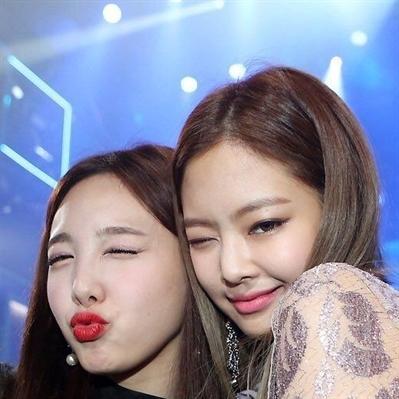 Fanfic / Fanfiction Kim Jennie-Sisters - Capítulo 4 - Capítulo 4-Namoradas?
