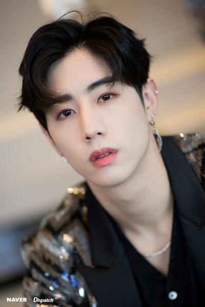 Fanfic / Fanfiction Possessivo Jeon Jungkook Imagine (BTS) - Capítulo 24 - Mark Tuan
