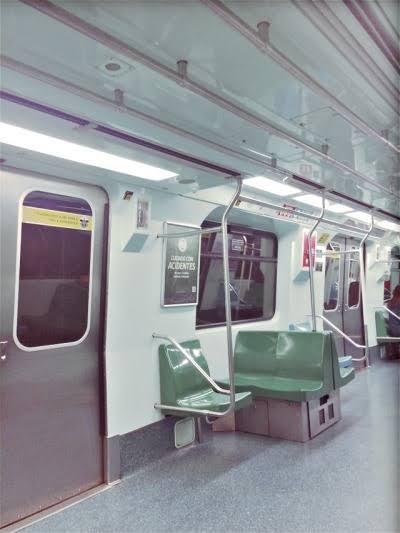 Fanfic / Fanfiction Historias de terror! - Capítulo 1 - Trisal no metrô