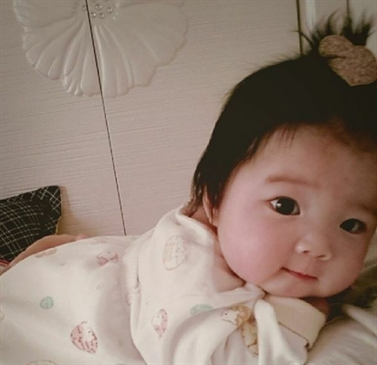 Fanfic / Fanfiction Entre anjos e demônios...amor proibido (jikook)1 temporada - Capítulo 80 - Ela e minha filha