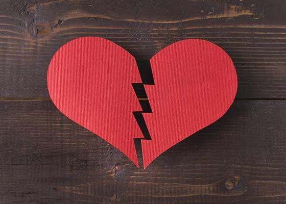 Fanfic / Fanfiction Forbidden Love - Capítulo 18 - Capítulo 17 - Quando a esmola é demais, o santo desconfia