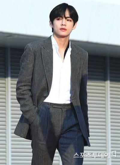 Fanfic / Fanfiction A filha do chefe - One Shot Hot- Kim Taehyung - Capítulo 1 - Capítulo único
