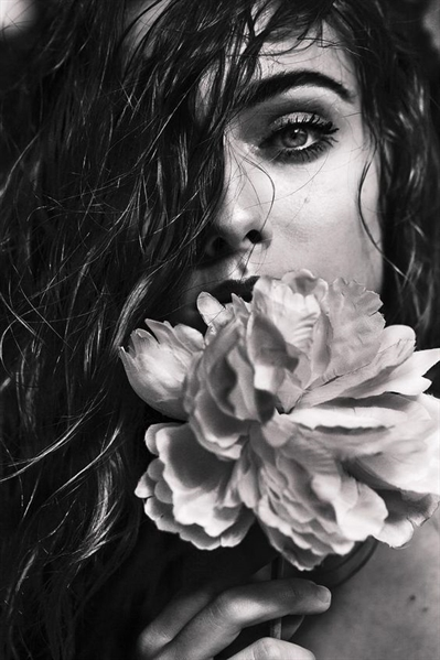 Fanfic / Fanfiction Poesias - Capítulo 1 - Dama da noite