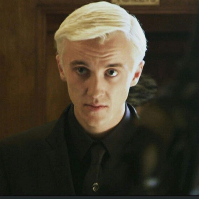 Fanfic / Fanfiction Quem é você - Draco Malfoy - Capítulo 1 - Capítulo 1