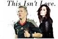 História: This Isnt Love