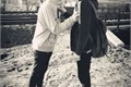 História: Apenas amigos (Romance Gay) HIATUS