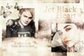 História: Jet black heart.