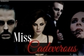 História: Miss Cadeverous