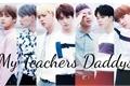 História: My Teachers Daddys