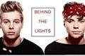 História: Behind The Lights