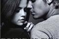 História: DANGEROUS LOVE: THE STORY OF JELENA