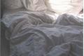 História: ;you're my new pillow,